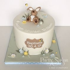 Browse through the different cakes we create here at The Pretty Sugar Cake Company, from Wedding Cakes & Wedding Favours to Celebration Cakes, to Cupcakes & Cookies. Button Cupcakes, Single Layer Cakes, Twins Cake, Luxury Cake, Bee Cakes, Rabbit Cake, Sugar Cake, Different Cakes, Cakes For Boys