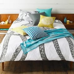 Charcoal Octopus Duvet Cover but add turquoise/coral pillows