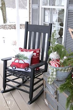 Red-Christmas-Front-Porch