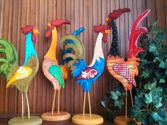 fun accessories to cheer up any space - Fanciful & Fun Decor - Chicken Crafts, Chicken Art, Crafts To Make, Arts And Crafts, Diy Crafts, Wood Projects, Craft Projects, Wood Craft Patterns, Wood Animal
