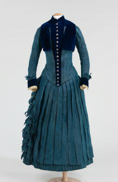 1885 Girls Dress with pleated skirt