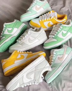 Dr Shoes, Cute Nike Shoes, Swag Shoes, Cute Nikes, Nike Air Shoes, Hype Shoes, Me Too Shoes, Shoes Sneakers, Air Force Sneakers