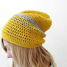 Learn how to crochet this easy beanie! Suitable for beginners!
