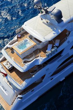 Closer look at Lady M by Benetti | Yacht Harbour