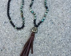 Hand Knotted 108 Turquoise Beaded Tassel Mala por TheArtsyNomad