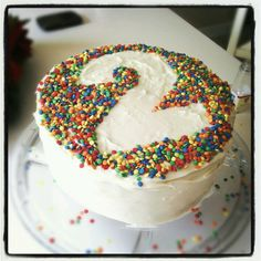 Fun idea instead of using a numbered candle for your child's birthday cake. Make a stencil using parchment/wax paper, place on top of frosted cake, use any fun sprinkle you like, and then carefully remove stencil. Fairy Birthday Party, Birthday Cake, Beautiful Cakes, Amazing Cakes, Second Birthday Ideas, Different Cakes, Cakes And More, Cake Designs, Eat Cake