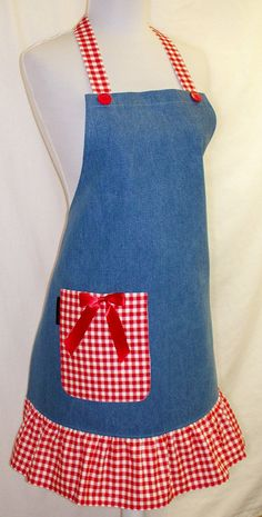 Shop for apron on Etsy, the place to express your creativity through the buying and selling of handmade and vintage goods. Jean Crafts, Denim Crafts, Sewing Hacks, Sewing Crafts, Sewing Projects, Jean Apron, Tie Quilt, Cute Aprons, Sewing Aprons