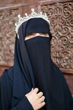 Latest Arabic Mehndi Designs, Niqab Fashion, Muslim Beauty, Islamic Girl, Hijabi Girl, Muslim Hijab, Cute Eyes, Cute Girl Photo, Madina