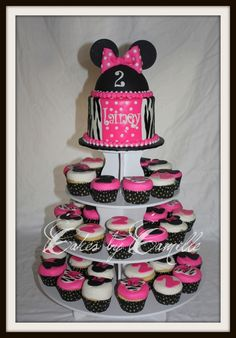 Pink Minnie Mouse smash Cake & Cupcakes for baby's 1st bday....personally i'd like Leopard a lil bit better