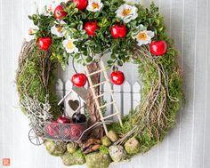 Door wreaths - door wreath summer apple harvest - a designer piece by Rotkopf-desig . Door wreaths - door wreath summer apple harvest - a unique product by Rotkopf-design on DaWandaSpring wreath, summer wreath, pastel wreath, geranium w. Summer Door Wreaths, Autumn Wreaths, Easter Wreaths, Holiday Wreaths, Holiday Decor, Wreath Crafts, Diy Wreath, Easter Crafts, Christmas Crafts