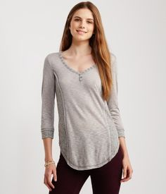 Shop Aeropostale for Guys and Girls Clothing. Browse the latest styles of tops, t shirts, hoodies, jeans, sweaters and more Aeropostale Girl Outfits, Cute Outfits, Fashion Outfits, Aeropostale, New Fashion, Trendy Fashion, Guys And Girls, Tunic Tops, Hoodies