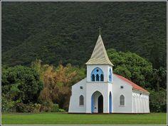 L'église est le seul bâtiment massif de Yate. Nouvelle Calédonie