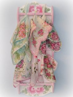 RoseChicFriends: ***Vintage Hankie LOVE*** Display Ideas