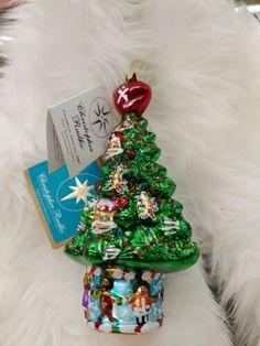 Radko 3011959 glass tree presents w tags gingerbread men celebrate adoption Glitter Ornaments, Glitter Gifts, Santa Christmas, Christmas Ornaments, Dave Thomas, Christopher Radko Ornaments, Gingerbread Men, Star Ornament, Present Gift
