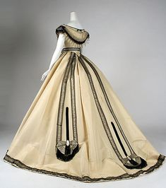 Ball gown Emile Pingat (French, active Date: ca. 1860 Culture: French Medium: silk Dimensions: [no dimensions available] Credit Line: Gift of Mary Pierrepont Beckwith, 1969 Accession Number: Metropolitan Museum of Art, New York Civil War Fashion, 1800s Fashion, 19th Century Fashion, Victorian Fashion, Vintage Fashion, Vintage Outfits, Vintage Gowns, Antique Clothing, Historical Clothing
