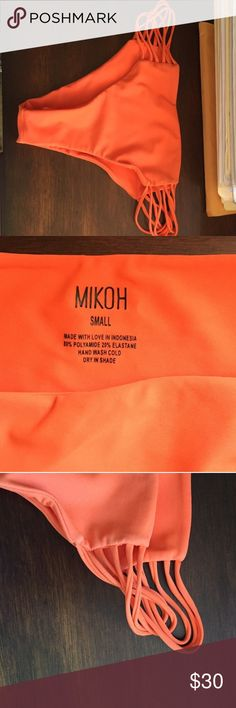 Mikoh cheeky bottoms Only worn a couple times, in perfect condition! Not faded or worn out, super comfortable material. Mikoh Swim Bikinis
