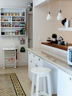 4 Fabulosas Residências – Habitare Wooden Garden Edging, Loft, House Design, Table, Furniture, Home Decor, Kitchen Trends, Kitchen White, Kitchens