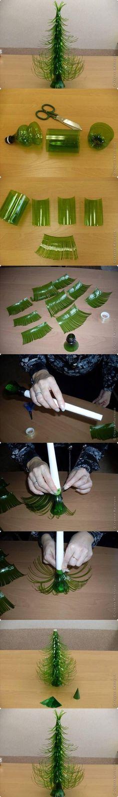 Como hacer árbol de navidad con botellas de plástico de sprite. Como las botellas de sprite son verdes, no hace falta pintarlas para que parezcan árboles.
