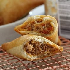 Chorizo and Chicken Empanadas - Thermomix Method Baked Empanadas, Chicken Empanadas, Empanadas Recipe, Lunch Box Recipes, Snack Recipes, Healthy Recipes, Dinner Recipes, Healthy Food, Healthy Weeknight Meals