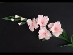 Gladiolus flower / paper flower with crepe paper - craft tutorial<<<video<<< Crepe Paper Crafts, Crepe Paper Roses, Handmade Flowers, Diy Flowers, Fabric Flowers, Flower Diy, How To Make Paper Flowers, Tissue Paper Flowers, Flower Paper