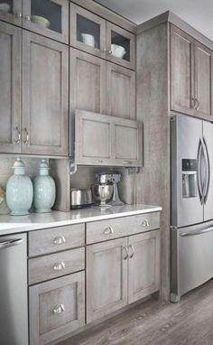 All About New Kitchen Cabinets DIY - DIY-kitchen-cabinet-ideas Modern Farmhouse Kitchens, Rustic Kitchen, Cool Kitchens, Kitchen Modern, Beautiful Kitchens, Country Kitchen, Farmhouse Style, Distressed Kitchen, Eclectic Kitchen