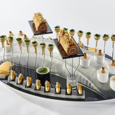 #bocusedor #bocusedoreurope2018 #contest #gastronomy #chefs #food #cooking #teambelgium #platter ©Studio Julien Bouvier Bocuse Dor, Platter, Chefs, Food And Drink, Europe, Table Decorations, Studio, Cooking, Home Decor