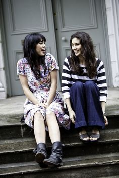 Inspiration: Jasmine and Melissa Hemsley - DeliciouslyElla Helmsley And Helmsley, Melissa Hemsley, Deliciously Ella, Healthy Gluten Free Recipes, Office Outfits, Eating Well, Cute Fashion, Fashion Brand, Amazing Women