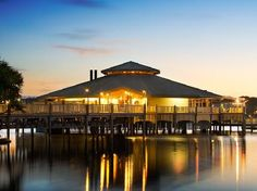 Google Image Result for http://physictourism.com/wp-content/uploads/2010/08/Sunshine-Coast-hotels.jpg