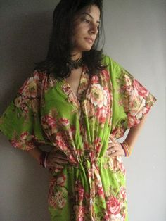 Green Dream Nursing Kaftan - Awesome alternative to those ugly hospital gowns for moms to be.