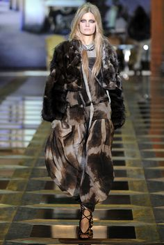 Roberto Cavalli Fall 2010 Ready-to-Wear Fashion Show - Constance Jablonski