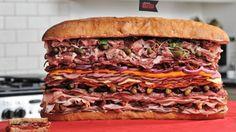 肉 on 肉 on 肉 on 肉 ... 肉です。今までにこれほど肉々しいサンドイッチがあったでしょうか? 世界各地の生ハムやサラミなど35...
