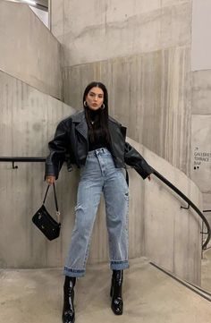 Winter Fashion Outfits, Look Fashion, Winter Outfits, Fashion Boots, Street Fashion Outfits, Asian Fashion Style, Winter Street Fashion, Asian Street Fashion, Celebrity Fashion Outfits
