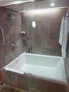 Jacuzzi bathtub remodel bathroom ideas 48 ideas for 2019 Big Bathtub, Bathtub Shower Combo, Jacuzzi Bathtub, Big Tub, Bathroom Tub Shower, Two Person Bathtub, Bath Tubs, Bathtub Ideas, Corner Tub Shower Combo