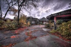 The 11 Most Insane Abandoned Places in Michigan! I'd love to go to the Belle Isle Zoo! Abandoned Places In The Uk, Abandoned Cities, Abandoned Amusement Parks, Abandoned Mansions, Abandoned Houses, Abandoned Ships, Michigan Tourism, Michigan Vacations, Michigan Travel