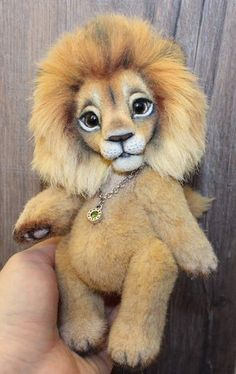 Lion Gideminas By Klavdiia Kolodnytska - Bear Pile