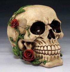 Romantic-Skull-with-Red-Roses-Skeleton-Head-Halloween-Decor-Figurine-Statue