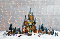 Make your Christmas extra special with this magical gingerbread fairytale castle! Find this creative Christmas recipe, & many more, at Tesco Real Food.