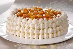 Lakkakakku (cloudberry cake) makes me remember my birthday in Saariselkä Finnish Cake Recipe, Finnish Recipes, Great Desserts, Delicious Desserts, Yummy Food, Sweet Recipes, Cake Recipes, Dessert Recipes, Finnish Cuisine