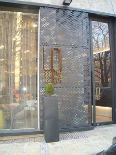 9 ideas for exterior restaurant design archi 6 « A Virtual Zone Signage Design, Facade Design, Door Design, Wall Design, House Design, Retail Facade, Showroom Design, Facade Architecture, Commercial Design