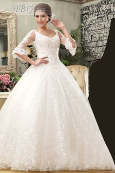 Elegant 3/4 Length Sleeves A-Line Lace Wedding Dress