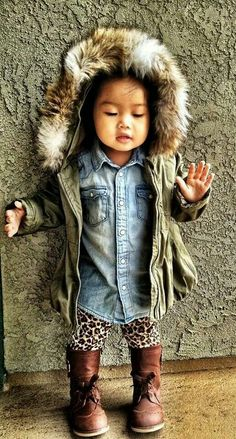 Amazing kids fashion. Girly childish but also an very adult and cool style.