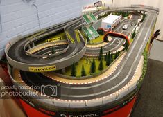 Pin by jr ct on slot car traks макет. Slot Car Race Track, Slot Car Sets, Ho Slot Cars, Slot Car Racing, Slot Car Tracks, Race Tracks, Cars 1, Race Cars, Scalextric Track