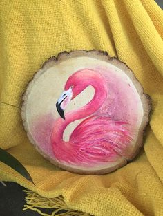 Wood Painting Art, Pebble Painting, Stone Painting, Wood Slice Crafts, Flamingo Painting, Rock Painting Designs, Painted Ornaments, Wooden Art, Small Art
