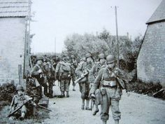 Right after crossing the beach area, these infantrymen belonging to Bn, Infantry Regiment Infantry Division) are headed to causeway Utah Beach, La Madeleine, 6 June 1944 Military Photos, Military History, D Day 1944, 4th Infantry Division, D Day Normandy, D Day Landings, History Images, Real Hero, Us Army