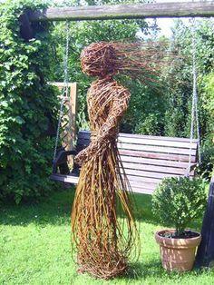 Click to Close Decoration Plante, Basket Decoration, Garden Decorations, Willow Figures, Garden Art, Garden Design, Willow Sticks, Twig Art, Branch Art