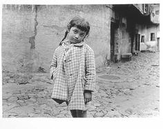 Sanz Lobato, Rafael - Valverde de la Vera | Museo Nacional Centro de Arte Reina Sofía Classic Photography, Street Photography, Garcia Alix, Alberto Garcia, Spanish Eyes, I Saw, First Photo, Black And White, Pictures