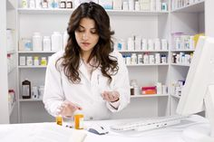 How Much Does a Pharmacy Tech Make? - http://only-journal.com/how-much-does-a-pharmacy-tech-make/