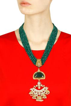 Anjali Jain presents Gold finish multilayer green onyx stone necklace available only at Pernia's Pop Up Shop. Stone Necklace, Stone Jewelry, Pearl Jewelry, Bridal Jewelry, Antique Jewelry, Gold Jewelry, Beaded Jewelry, Jewelery, Salwar Kameez