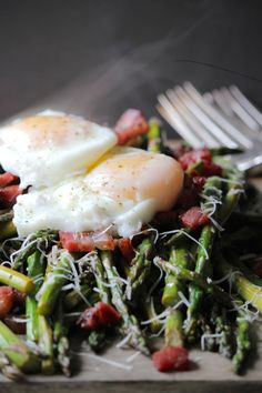Beautiful pan asparagus & perfect poached eggs make an incredible brunch dish, with hints of zesty lime, crispy pancetta and fresh grated parmesan.