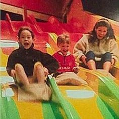 STYLES PIC BOOK Just a bunch of random Harry Styles pics & gif collection. that's it…Just a bunch of random Harry Styles pics & gif collection. Harry Styles Fetus, Harry Styles Family, Harry Styles Cute, Harry Styles Pictures, Harry Edward Styles, Young Harry Styles, Fetus One Direction, One Direction Humor, One Direction Pictures